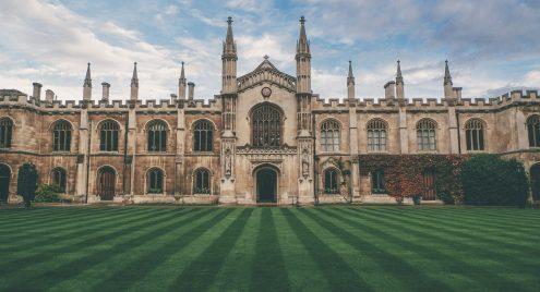 Wat houden de Cambridge Engels niveaus in?